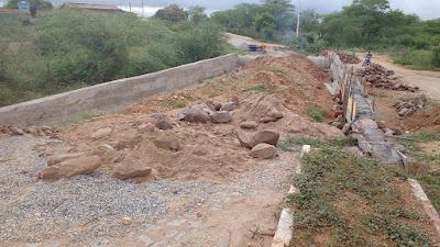 Prefeitura de Prata inicia construção de passagem molhada na vila Cazuza Nunes