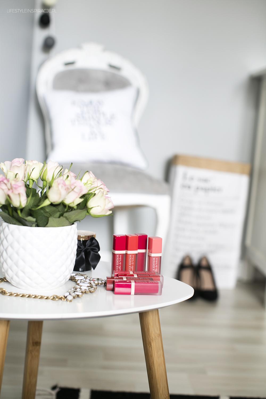 róże i szminki Bourjois