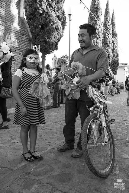 niña en carnaval de Oaxaca