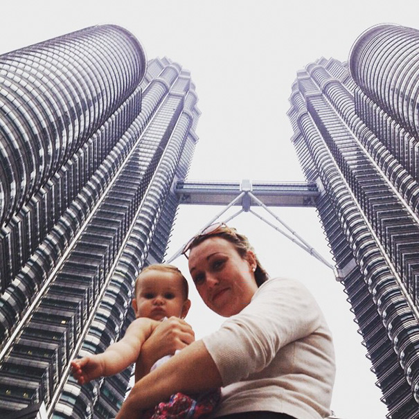 """""""It is all about incorporating your little person into your way of life"""" - 1-Year-Old Has Been Travelling Around The World Since She Was Born"""