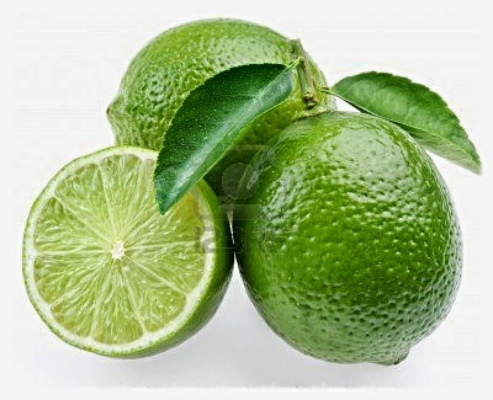 Manfaat Minum Segelas air hangat dan lemon di pagi hari