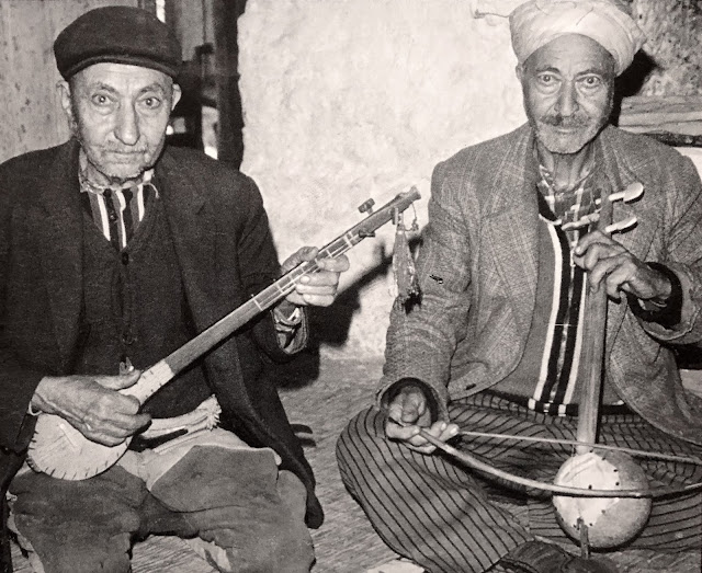 traditional music  Balkan, Turkey, Greece, Macedonia, Croatia, Bosnia and Romania vinyl records collection community