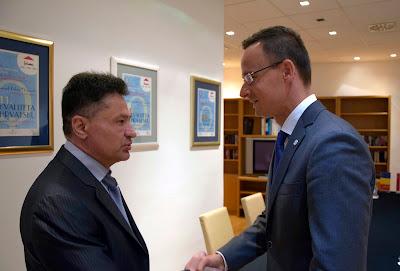 Petru Sorin Bușe, Szijjártó Péter, Magyarország, Románia, határátkelőhely, M4-es autópálya, A3-as autópálya, infrastruktúra,