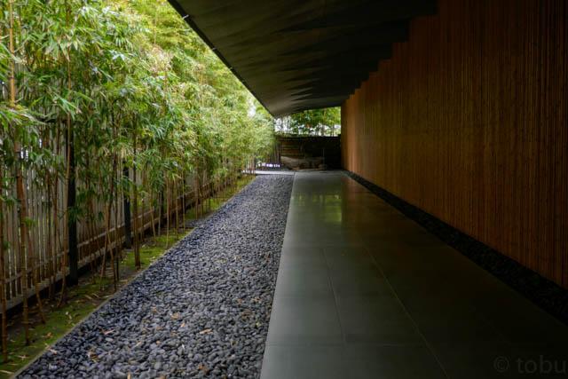根津美術館のアプローチ