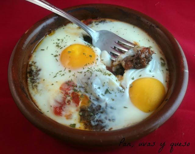Huevos al plato al estilo de Ávila