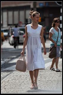 mujeres-usando-ropa-transpaente