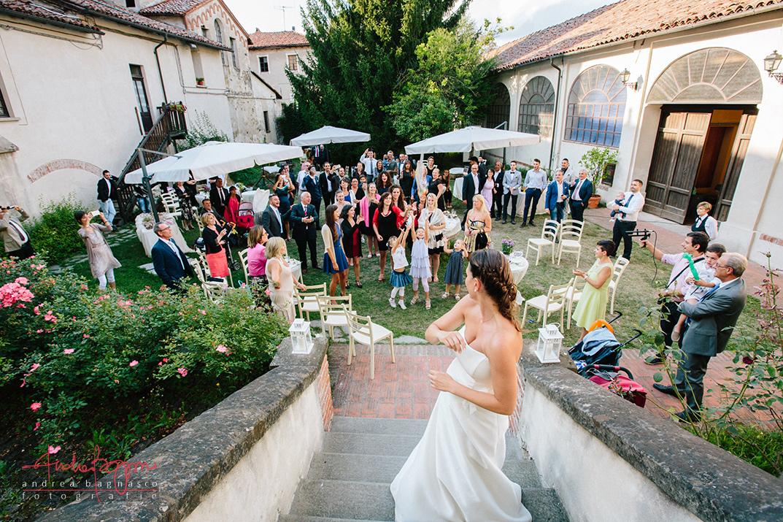 bouquet toss italian shabby chic wedding