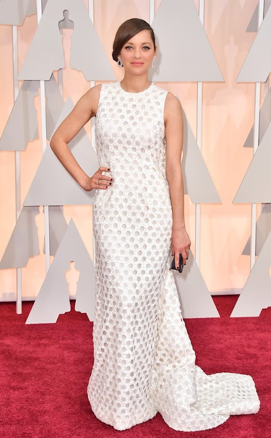 2015 Academy Awards Arrivals: Marion Cotillard in Dior Couture