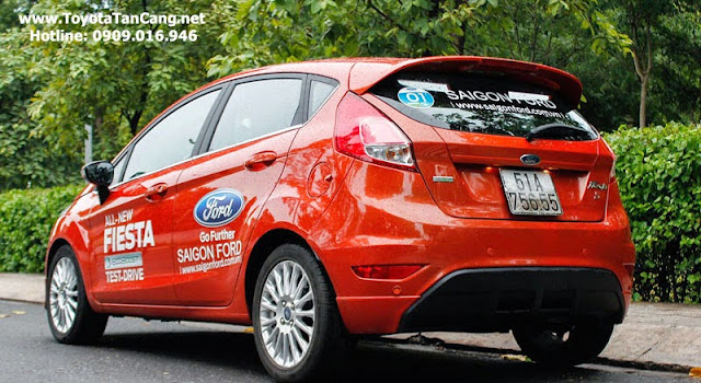 ford fiesta 2014 13 3429 - So sánh Ford Fiesta và Toyota Yaris : Ai là Vua xe Hatchback cỡ nhỏ - Muaxegiatot.vn