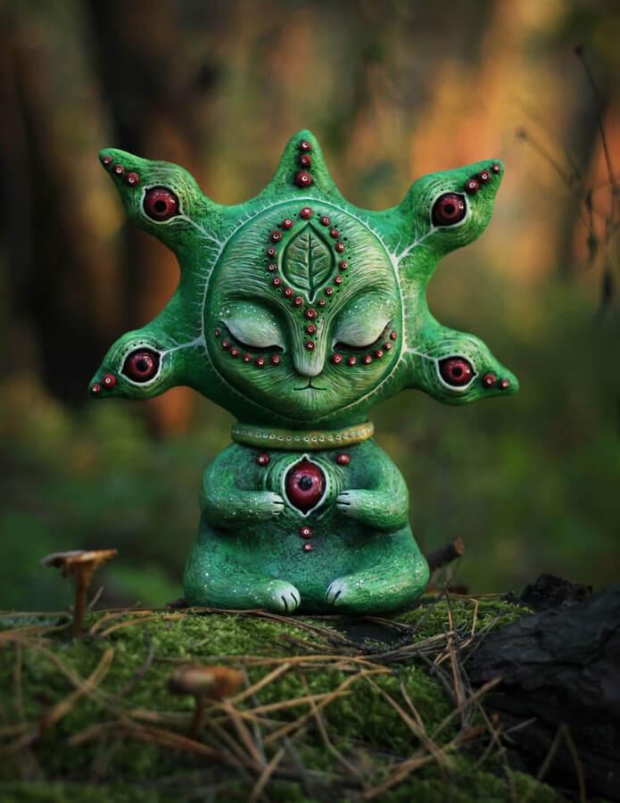 07-Forest-Dreamer-Maryana-Kopylova-www-designstack-co