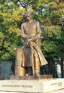 Pomnik Józefa Piłsudskiego Warszawa Belweder
