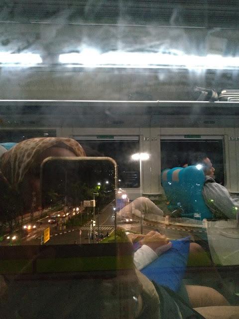 Kereta Argo Parahyangan 12/4/2019 23:06