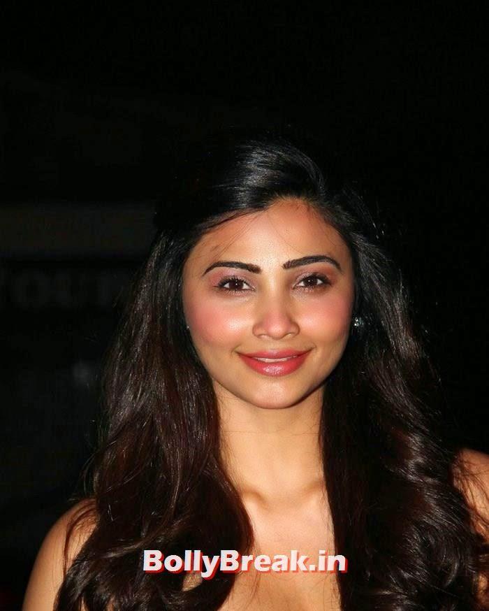 Daisy Shah, Sunny Leone, Koena Mitra Hot Pics from  Rohit Verma's Bridal Show