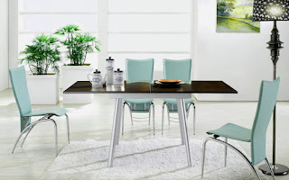 комбинирование стеклянной и обычной мебели