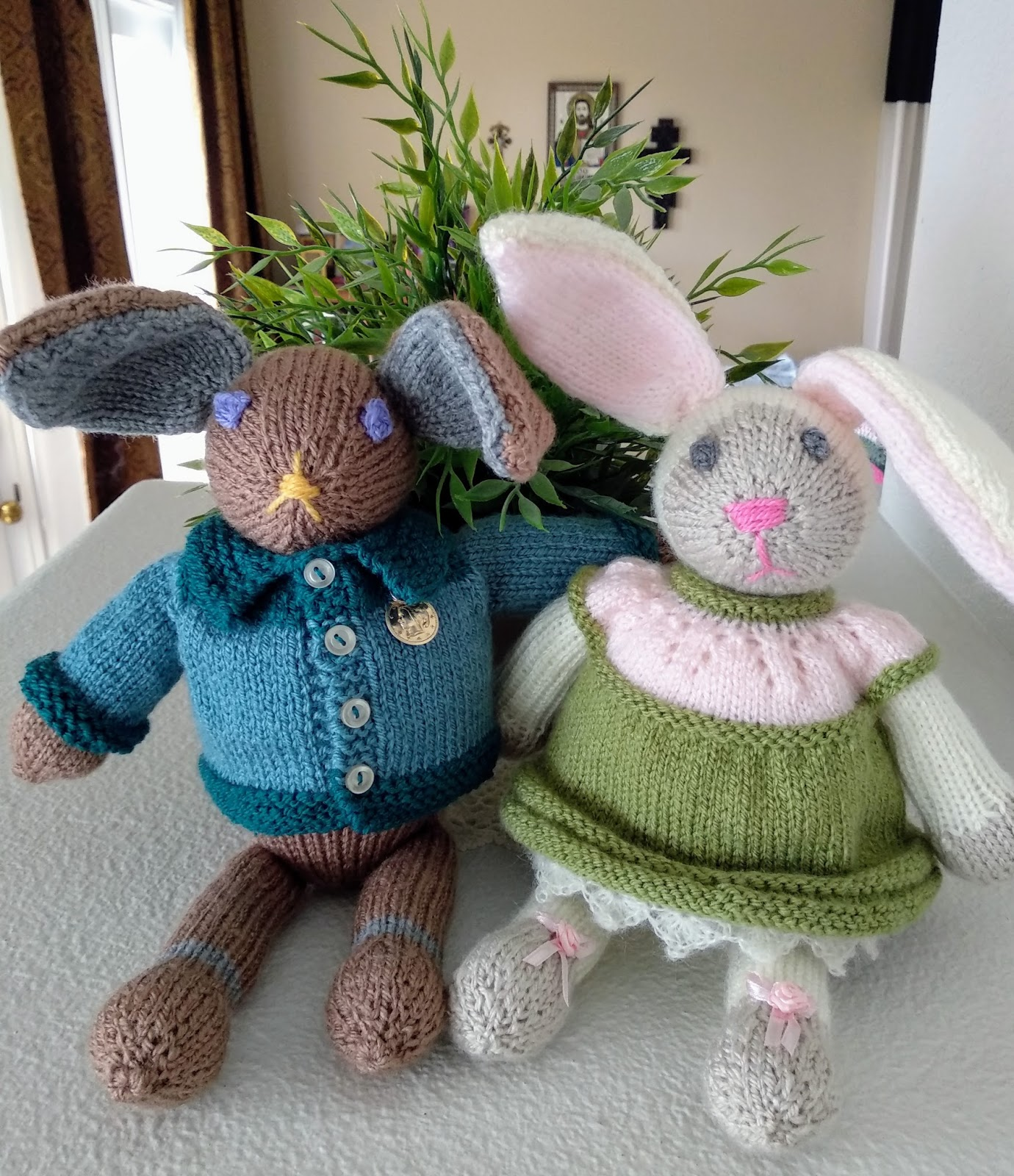 Lilly My Cat: Meet Peter Rabbit and Cottontail Along with an ...