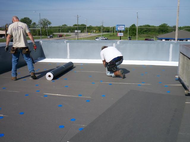 عزل اسطح بالدمام