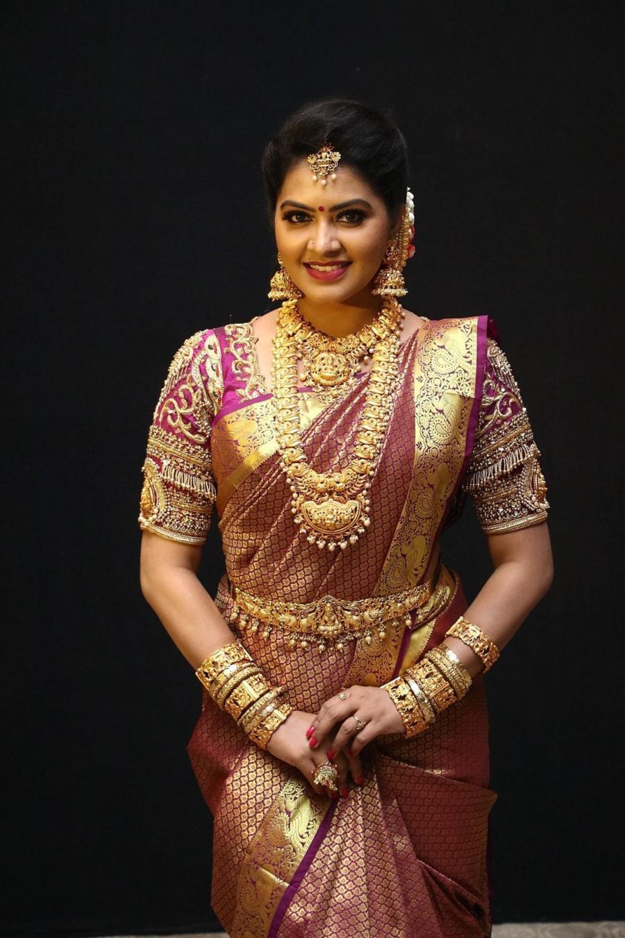 Beautiful Indian TV Actress Rachitha Mahalakshmi in Maroon Silk Saree