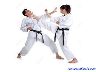 Apakah Kata Karate Berasal dari Bahasa Arab