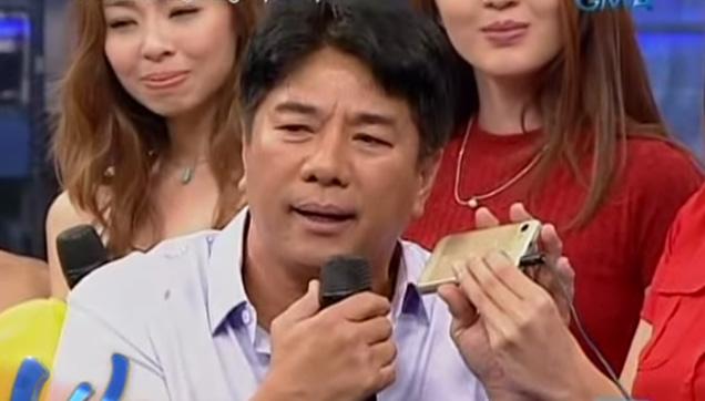 The Pambansang Papi calling the winner of Tawag ng Pangangailangan.