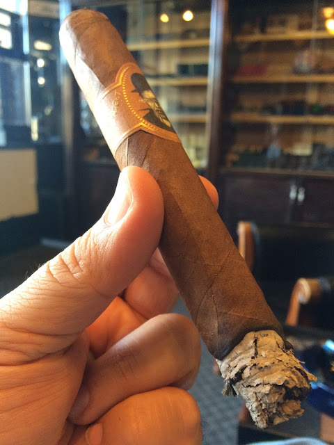 Caldwell Blind Man's Bluff cigar 2
