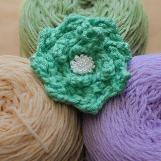 loom knit rose pattern flower