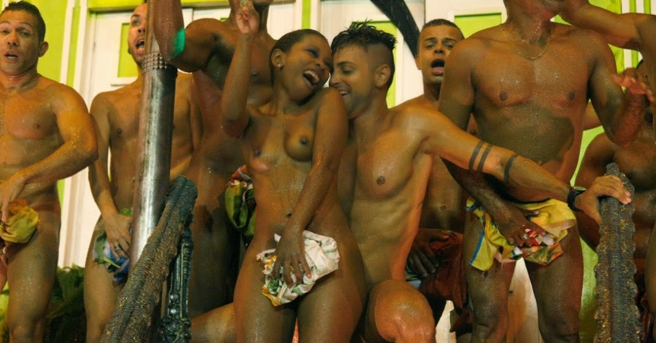 Nude Chick During Mardi Gras - XVIDEOSCOM