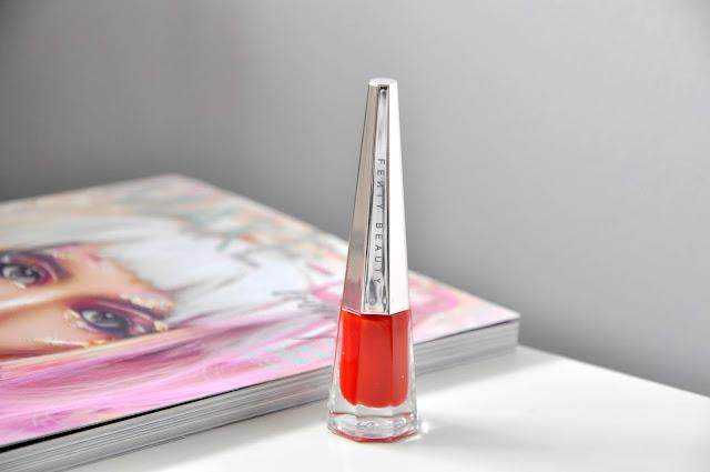 recenzja matowej pomadki fenty beauty stunna lip paint longwear fluid lip color uncensored