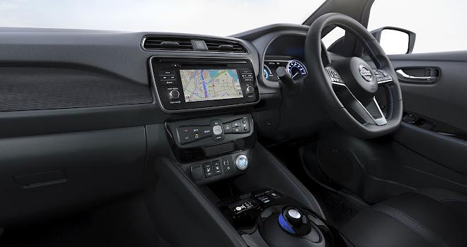 2018 Nissan Leaf front interior