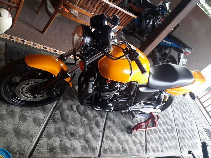 PASAR MOGE BEKAS Honda CB400 Super Four 400cc