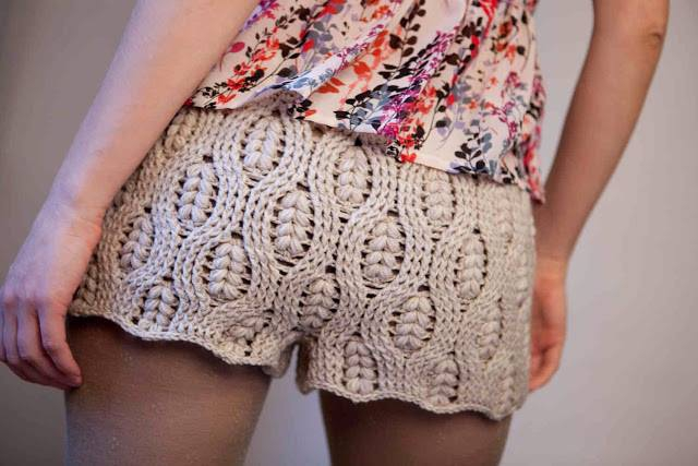 #584 Pantalon Corto a Crochet o Ganchillo