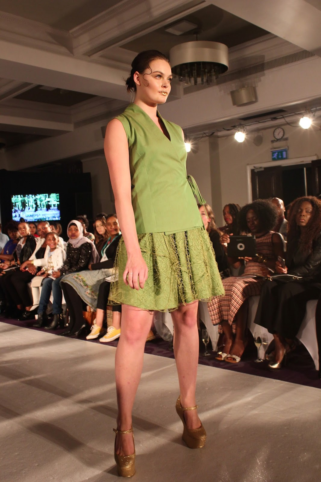 Georgie Minter-Brown, actress, blogger, fashion, london fashion week, moixa, style, catwalk, designer