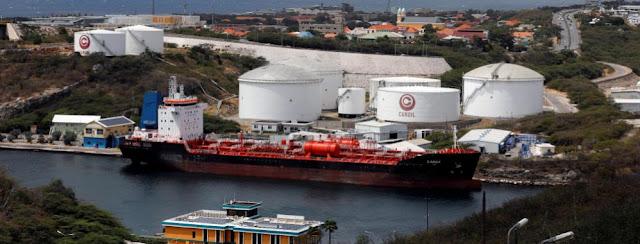 EXCLUSIVA-Operador de flota de venezolana PDVSA busca retener tres tanqueros: documento y fuentes