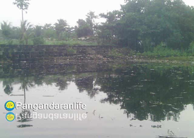 Danau Kecil di Pantai Bojongsalawe Jadi Tempat Pembuangan Sampah