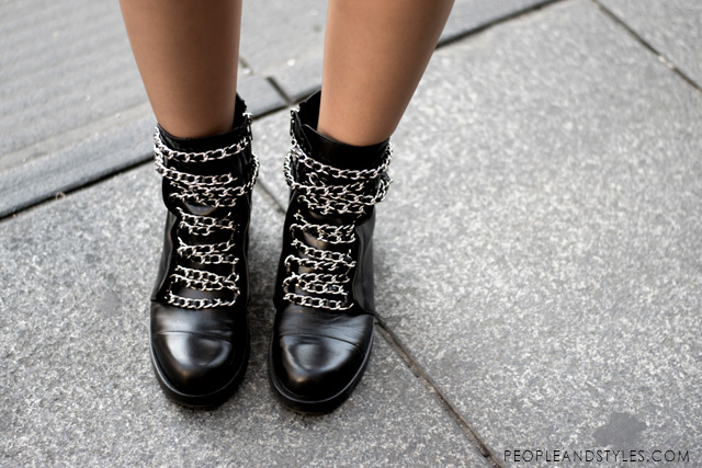 chain ankle biker boots