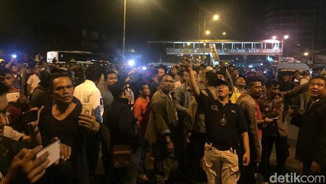 Ledakan di Kampung Melayu Terdengar Dua Kali