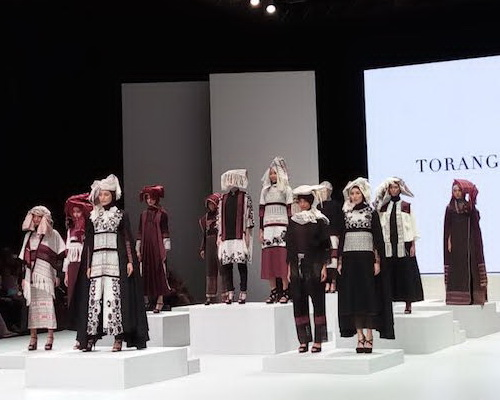 Tinuku Torang Sitorus bring Ulos Passamot fabric collection of Batak to Indonesia Fashion Week 2017
