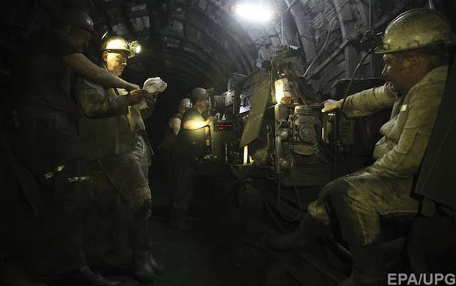 Под землей оказались 203 человека, из которых спасти удалось лишь 93 горняка.