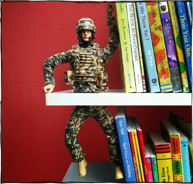 http://makezine.com/craft/was_and_peace_bookend/