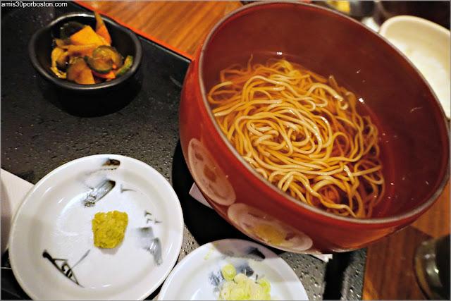 Noodles Soba Calientes del Restaurante Ootoya en Nueva York