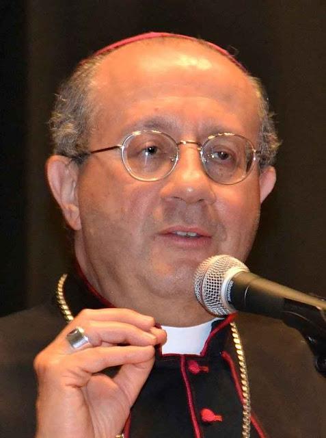 Segundo Mons. Bruno Forte, secretário especial do Sínodo, o Papa Francisco lhe teria dito sobre a comunhão aos divorciados recasados: 'Não falemos de modo direto, você põe as premissas e eu cuido das conclusões'.