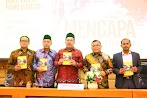 BJ Habibie Puji Buku Fahri Hamzah 'Mengapa Indonesia Belum Sejahtera'