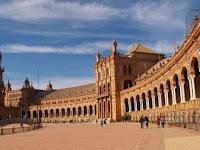 ISTANA AL-HAMBRA: WARISAN KEJAYAAN ISLAM DI SPANYOL.