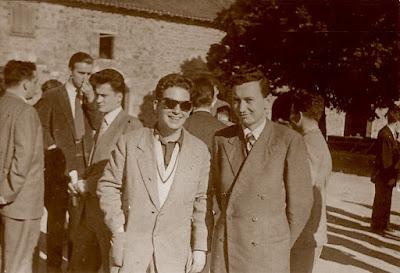 Lucien Francino y a su izquierda Nicola Karaklajic durante una visita a Beaujolais durante el II Campeonato Mundial Universitario de Ajedrez Lyon 1955