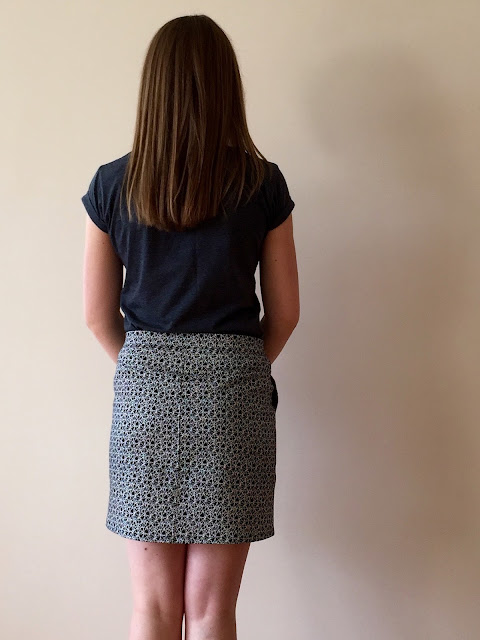 Diary of a Chain Stitcher: Geometric Grainline Moss Mini Skirt in Stretch Cotton from Mood Fabrics
