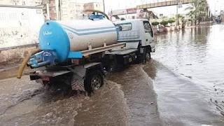 أصلاح خط المياه الرئيسي بعد انقطاع استمر ٨ ساعات عن المنازل بالمحله