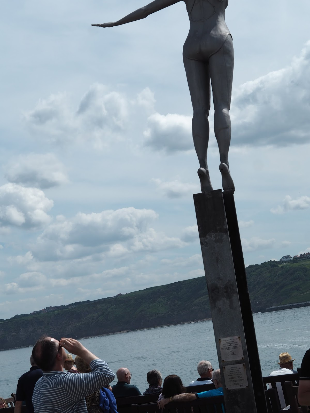 Diving Belle, diving statue, sculpture Vincents Pier, South Bay, Scarborough