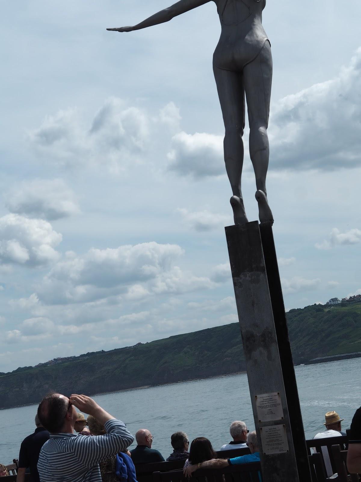 Diving Belle, diving statue, sculpture Vincents Pier, South Bay, Scarborough