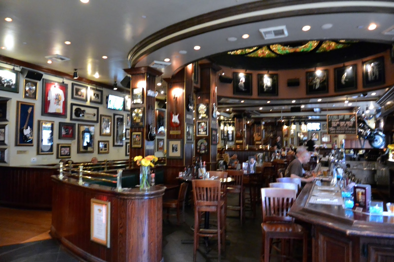 case study forecasting at hard rock cafe solution For restaurants like hard rock café, taking into consideration the season, holidays, time of day, day of week, time of the month in relation to paydays, and meals served is necessary for effective forecasting of sales (2.