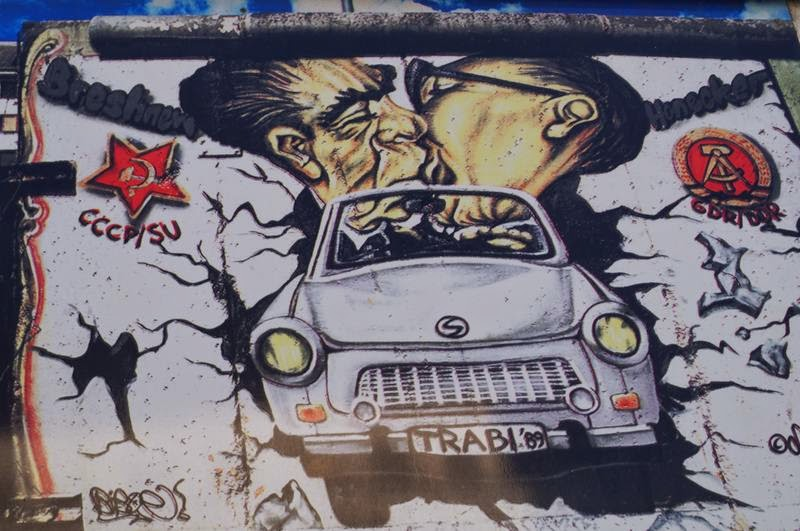 beso mural berlin