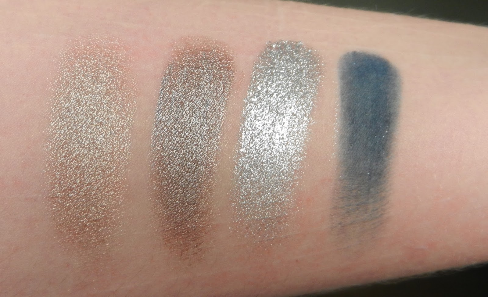 Natasha Denona Blue 28 Swatches 12M Glaze, 38M Gray-Brown, 04M Chromatic, 01V Navy